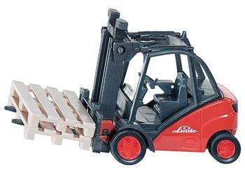 Lindt Forklift